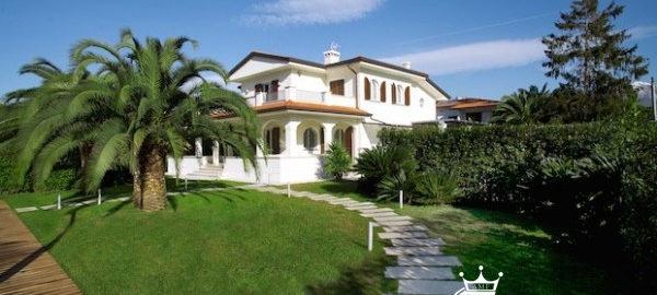A18002-CO Villa for Rent Forte Dei Marmi