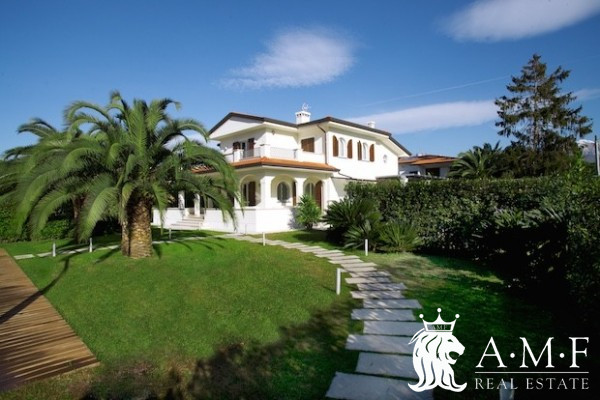A18002-CO Villa for Rent Forte Dei Marmi