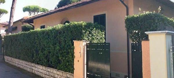 A18006-CS Villa for Rent Forte dei Marmi