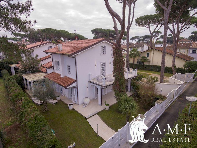 A19010-VA Villa for Rent Forte dei Marmi